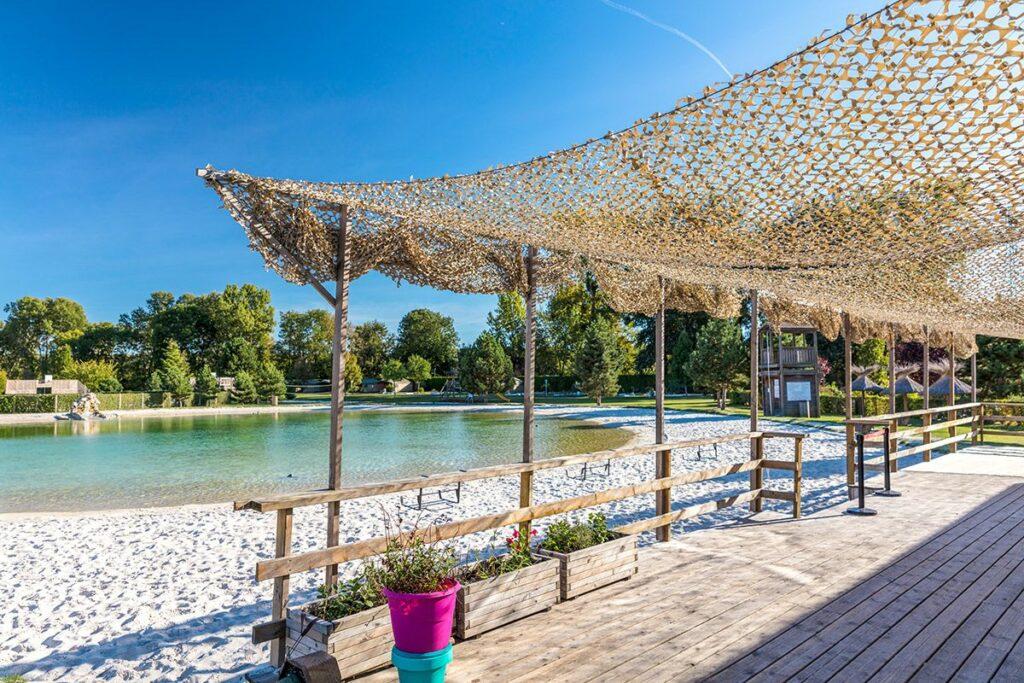 plage et terrasse du lagon